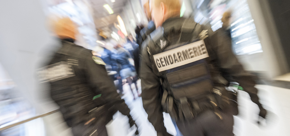Gendarmerie nationale le minist re minist re de l for Ministere exterieur france